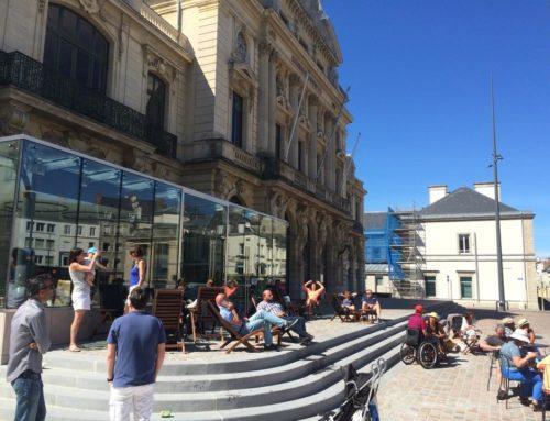 Une première en France : une «zone sans smartphone» dans un café à Cherbourg !